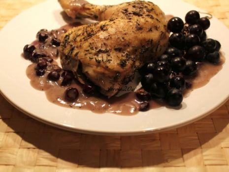 Przepis: Pieczony kurczak z sosem winogronowo-tymiankowym