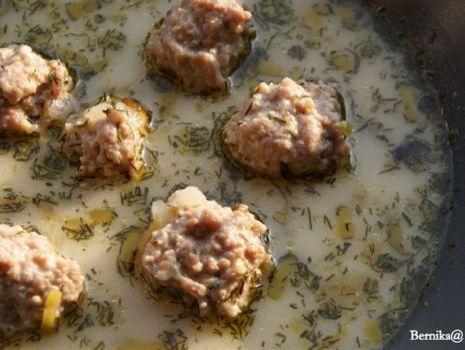 Przepis: Zupa serowo-porowa z klopsikami