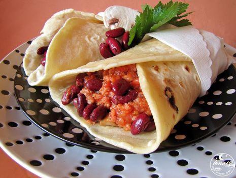 Przepis: Tortilla meksykańska z mięsem i fasolą