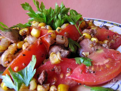 Przepis: Wątróbka drobiowa z pomidorem i kukurydzą