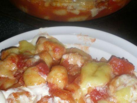 Przepis: Gnocchi zapiekane z sosem pomidorowym
