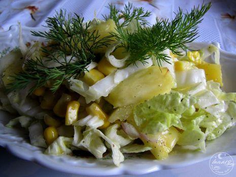 Przepis: Sałatka z pekinką i ananasem