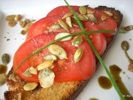 Przepis: Bruschetta z pomidorem