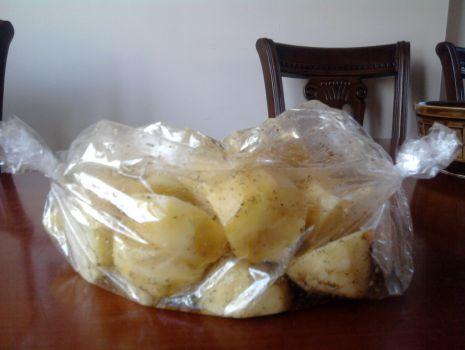 Przepis: Pieczone w rękawie ziemniaki