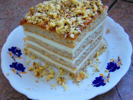 Przepis: Ciasto a la pszczółka z orzechami