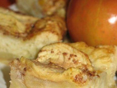 Przepis: Ciasto z jabłkami i custardem