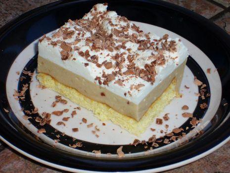 Przepis: Ciasto pomarańczowo - bananowe z bitą śmietaną
