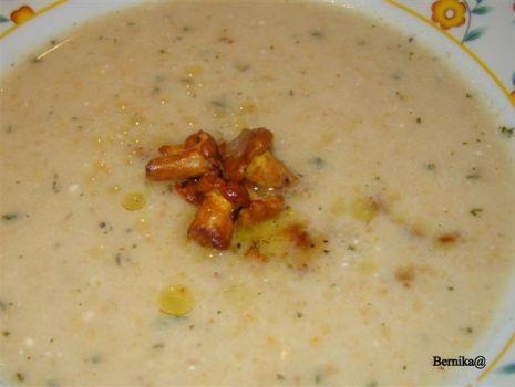 Przepis: Zupa ziemniaczana z kurkami o kwaskowatym smaku
