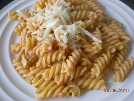 Przepis: Fusilli z sosem pomidorowo-mascarpone