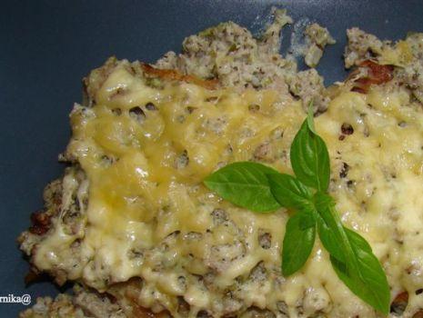 Przepis: Zapiekane placki ziemniaczane z mięsem