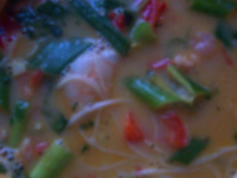 Przepis: Orzechowo-kokosowa zupa z krewetkami