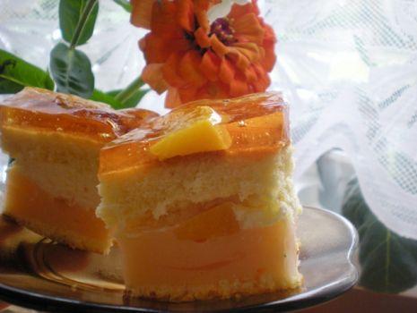 Przepis: Ciasto brzoskwiniowo - śmietankowe