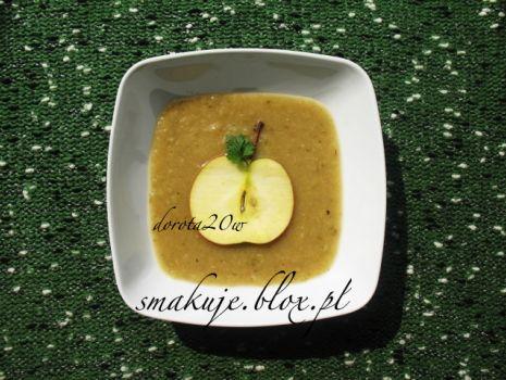 Przepis: Zupa z jabłek i pasternaku z imbirem