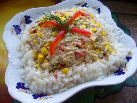 Przepis: Sałatka z makreli z papryką