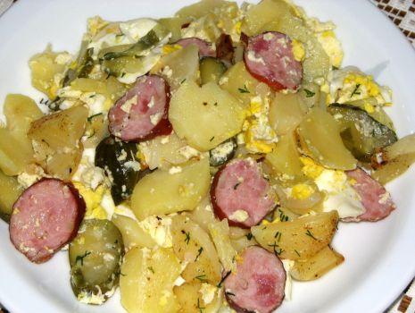 Przepis: Zapiekanka z ziemniakami i kiełbasą