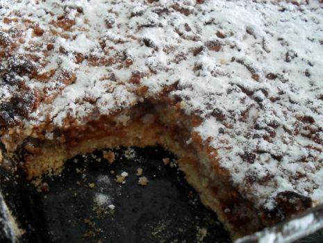 Przepis: Ciasto z pianką, kruszonką i dżemem
