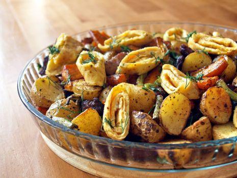 Przepis: pieczone warzywa z boczkiem i omletem