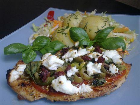 Przepis: Sznycle z fetą i oliwkami