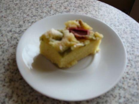 Przepis: Proste ciasto z rabarbarem