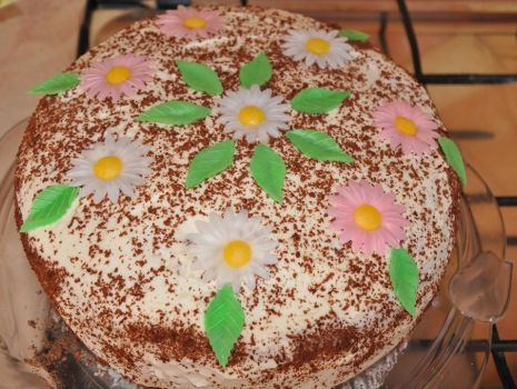 Przepis: Tort z brzoskiwniami