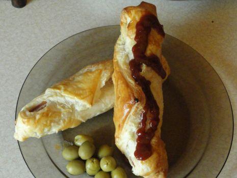 Przepis: Parówki z serem w cieście francuskim