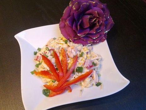 Przepis: Sałatka z selerem i piersią z kurczaka