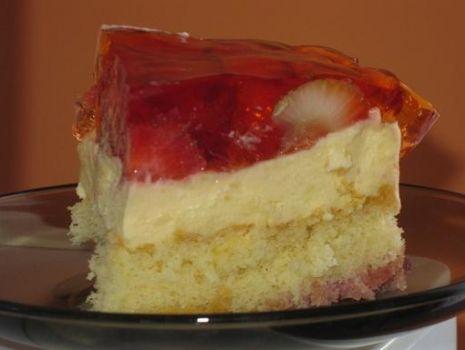 Przepis: Ciasto z budyniem i truskawkami