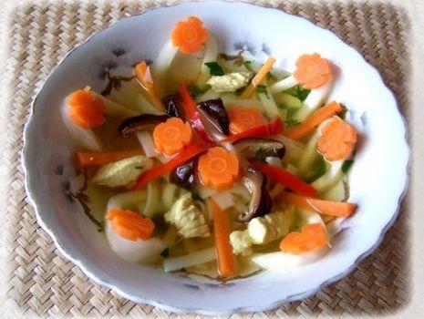 Przepis: Zupka orientalna z makaronem ryżowym