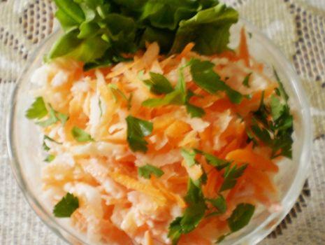 Przepis: Biała rzodkiew z marchewką :
