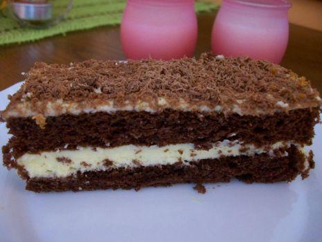 Przepis: placek czekoladowy z kremem tiramisu