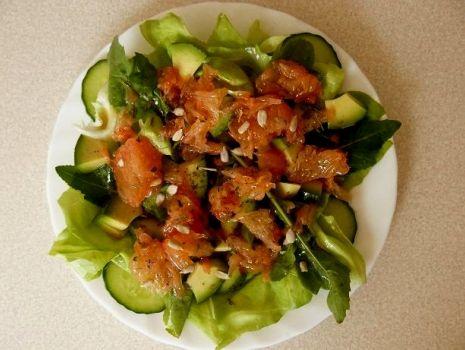 Przepis: Sałatka z avocado i grejpfrutem
