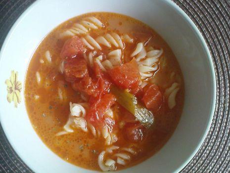 Przepis: Zupa pomidorowa ze świeżych pomidorków