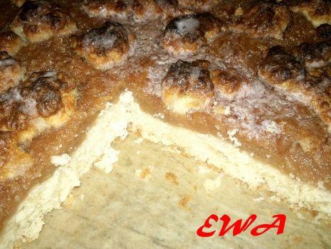 Przepis: Zatopione ciasto z jabłkami