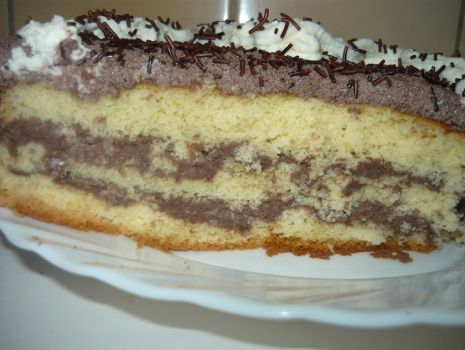 Przepis: Pierwszy tort z bitą śmietaną