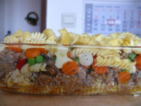 Przepis: Zapiekanka z makaronem , warzywno - mięsna.