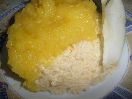 Przepis: budyń z kaszy jaglanej z musem mango