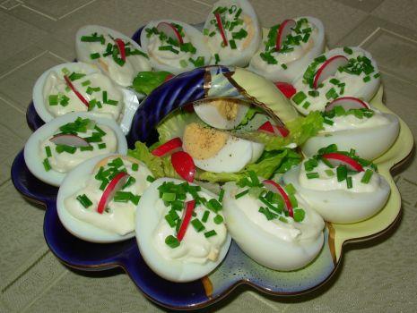 Przepis: jajka z majonezem i szczypiorkiem
