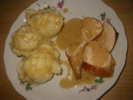Przepis: Piersi z kurczaka z sosem grzybowym i ziemniaczanym pure