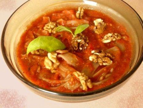 Przepis: Makaron żytni z surowym sosem