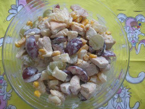 Przepis: Sałatka z winogron i kurczaka