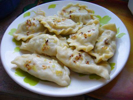 Przepis: Pierogi z serem i szpinakiem