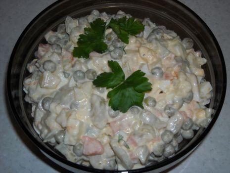 Przepis: Tradycyjna sałatka warzywna