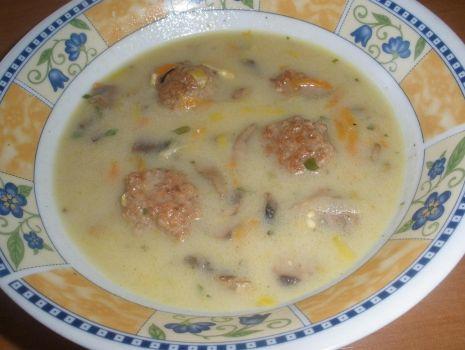 Przepis: Zupa pieczarkowa z pulpetami