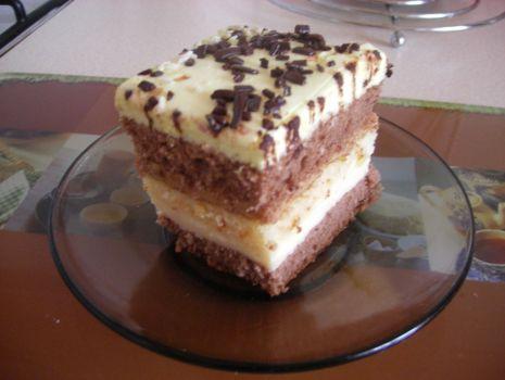 Przepis: Ciasto budyniowo-krówkowe