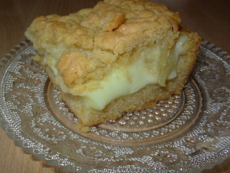 Przepis: Ciasto kruche z budyniem i jabłkami