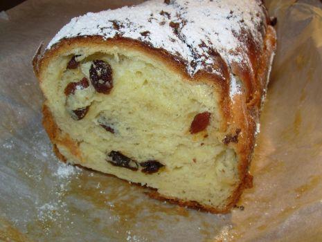 Przepis: Ciasto drożdżowe z rodzynkami