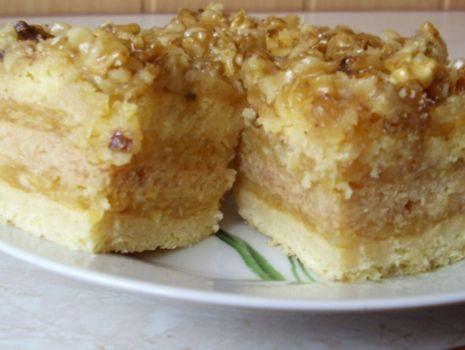 Przepis: ciasto z orzechami i jabłkami