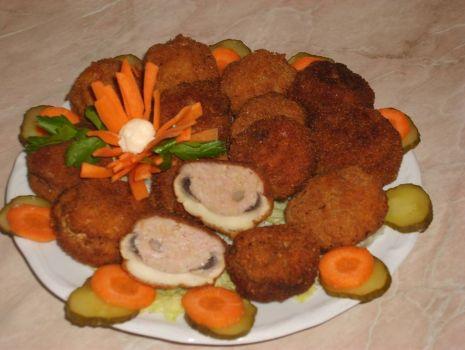 Przepis: Pieczarki faszerowane mięsem