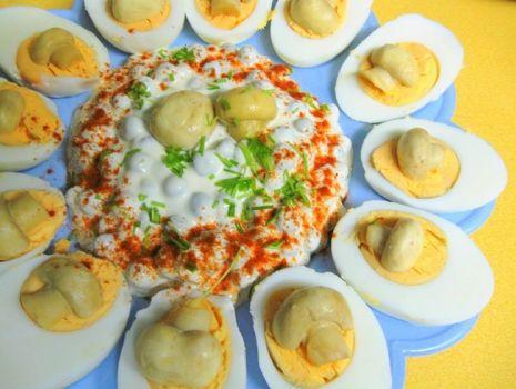 Przepis: Jajka z delikatnym sosem