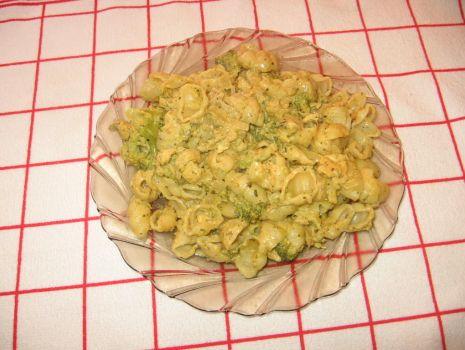 Przepis: Makaron z kurczakiem w sosie kremowym